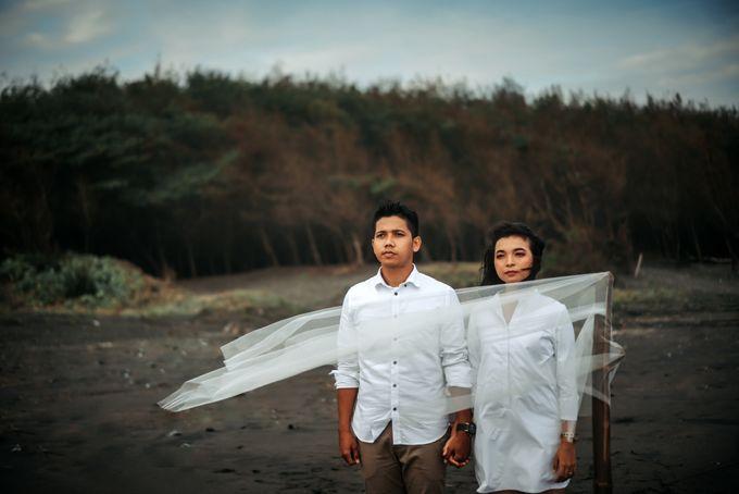 Prewedding Sara dan Jonathan by jogjasendu - 027