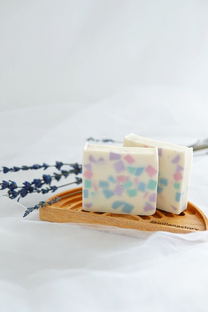 HANDMADE NATURAL SOAP GIFT by Jollene Gifts - 001