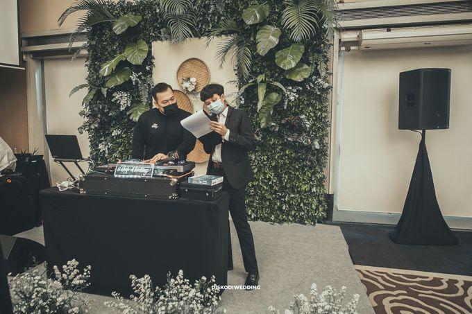 Intimate Akad   Financial Club Jkt - Riri & Kemal by diskodiwedding - 017