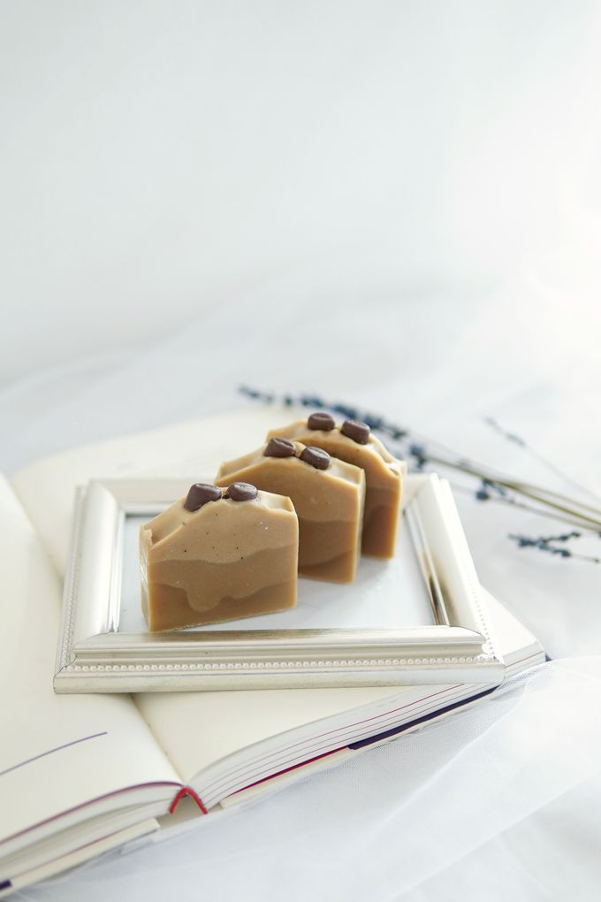 HANDMADE NATURAL SOAP GIFT by Jollene Gifts - 003