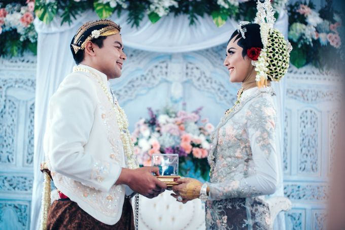 Akad Nikah of Ayu & Artha by: Gofotovideo by GoFotoVideo - 039