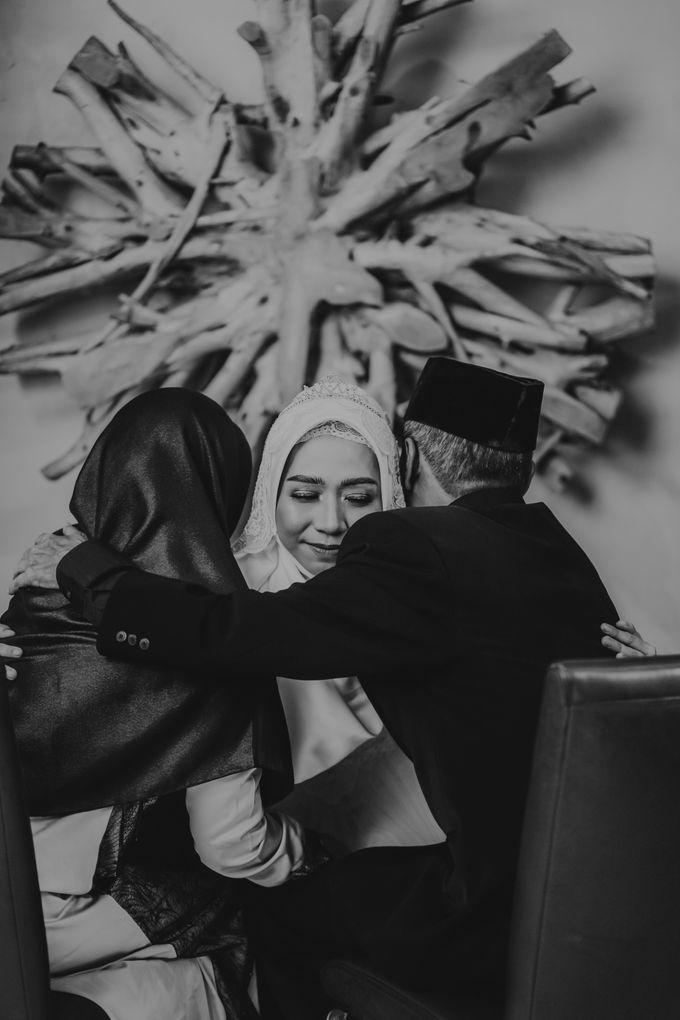Aisyah & Aziz Wedding at Azila Villa by AKSA Creative - 004