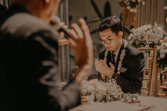 Aisyah & Aziz Wedding at Azila Villa by AKSA Creative - 005