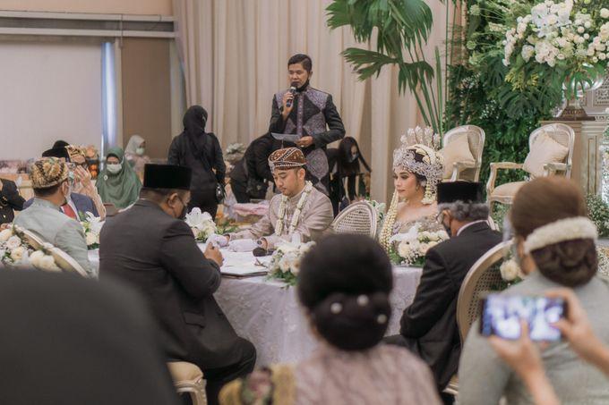 Intimate Akad   Financial Club Jkt - Riri & Kemal by diskodiwedding - 007