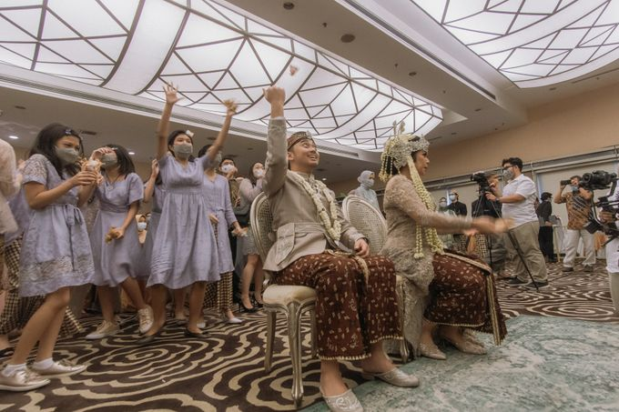 Intimate Akad   Financial Club Jkt - Riri & Kemal by diskodiwedding - 001