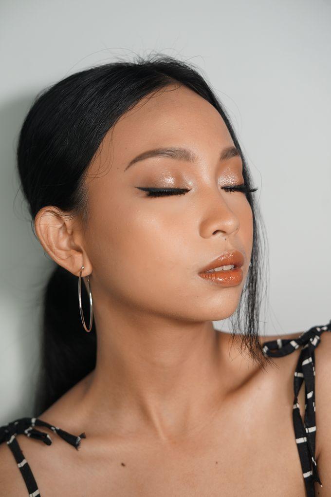 Natural Glowing Make Up by mikUP - 008