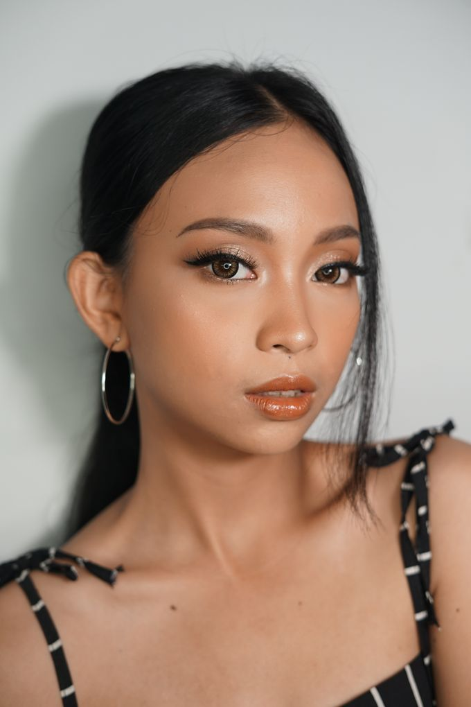Natural Glowing Make Up by mikUP - 009