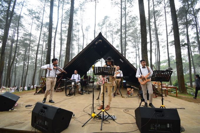 Sastri & Luthfan Wedding At Orchid Forest Lembang by Josh & Friends Entertainment - 004