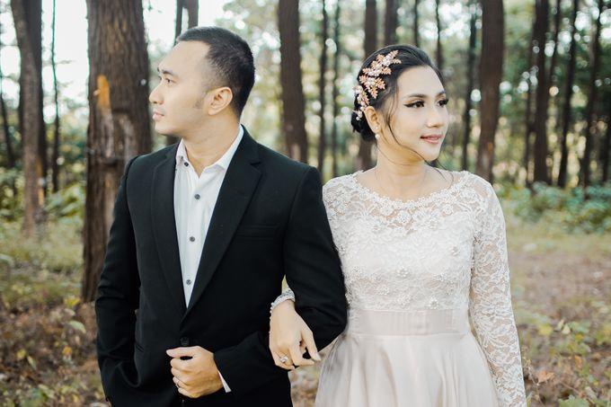 Prewedding Ikhe & Candra by photolazuardi - 002