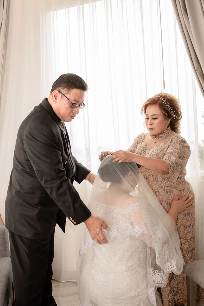 Wedding Day of Hartono & Yessica by House Of Lea Bridal - 009