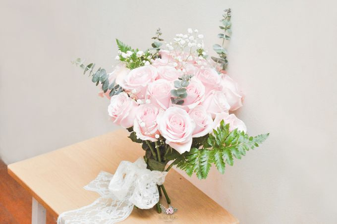 Pre-wedding Bouquets by Floral Treats - 010