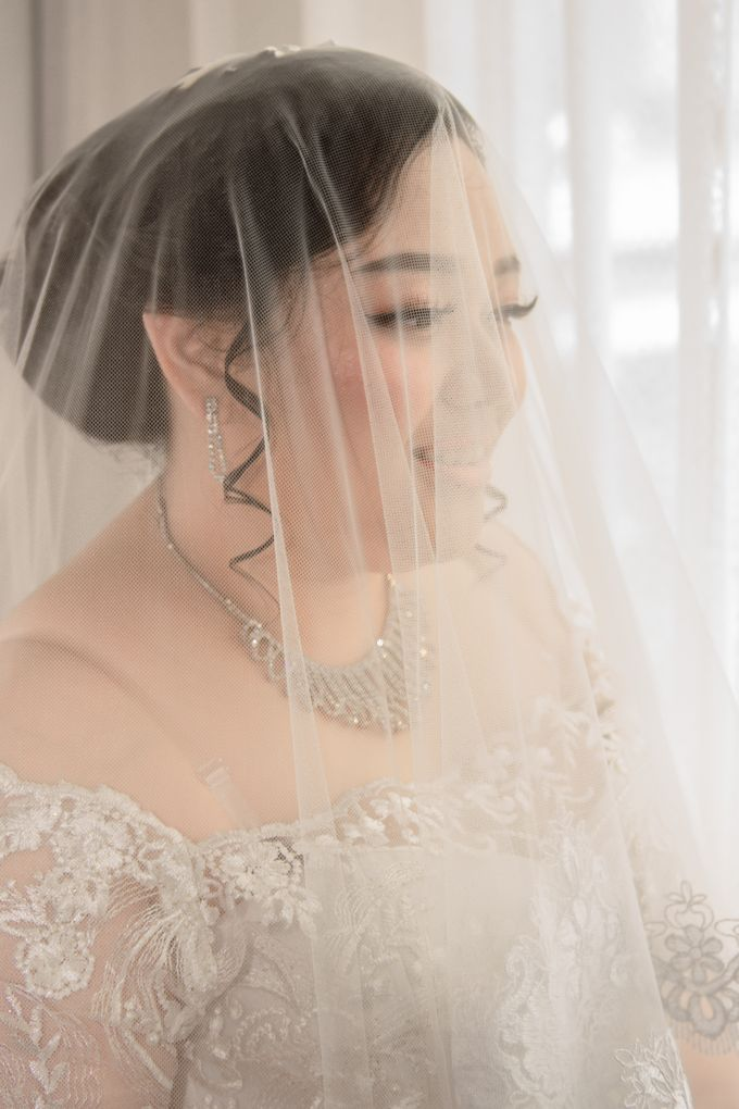 Wedding Day of Hartono & Yessica by House Of Lea Bridal - 010