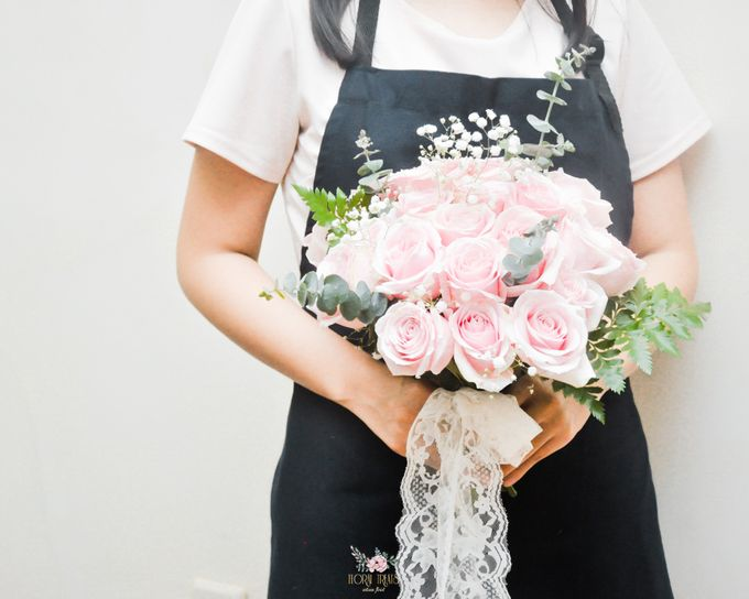 Pre-wedding Bouquets by Floral Treats - 009