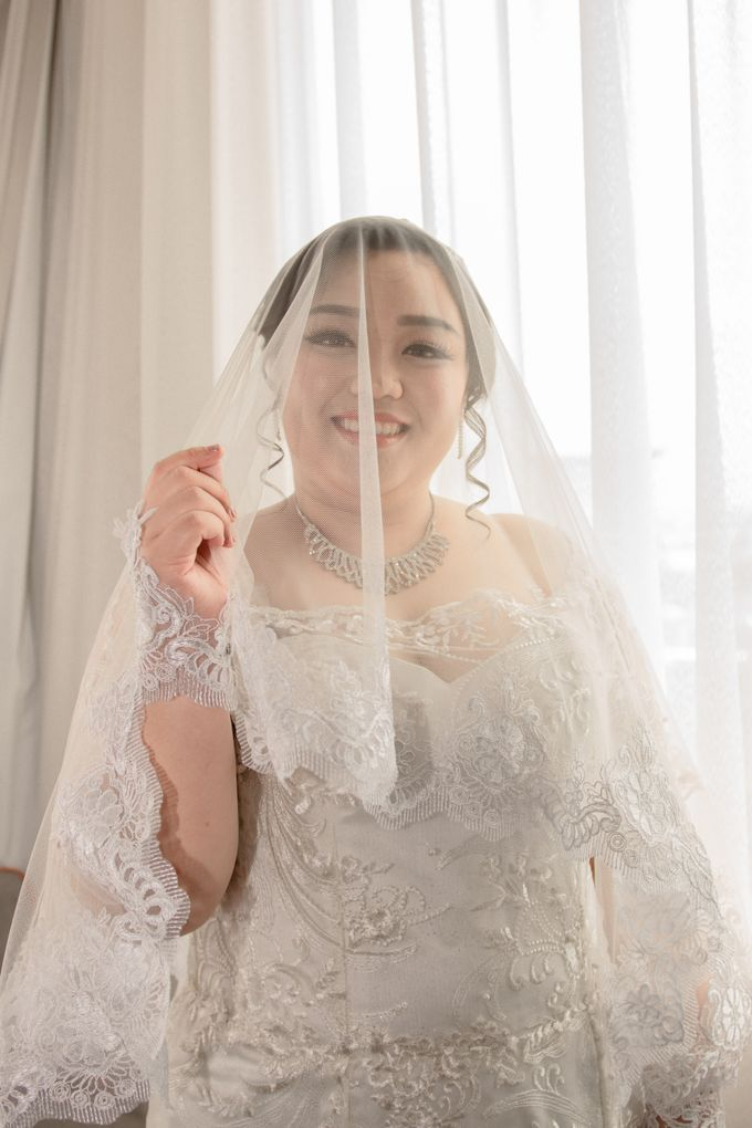 Wedding Day of Hartono & Yessica by House Of Lea Bridal - 015