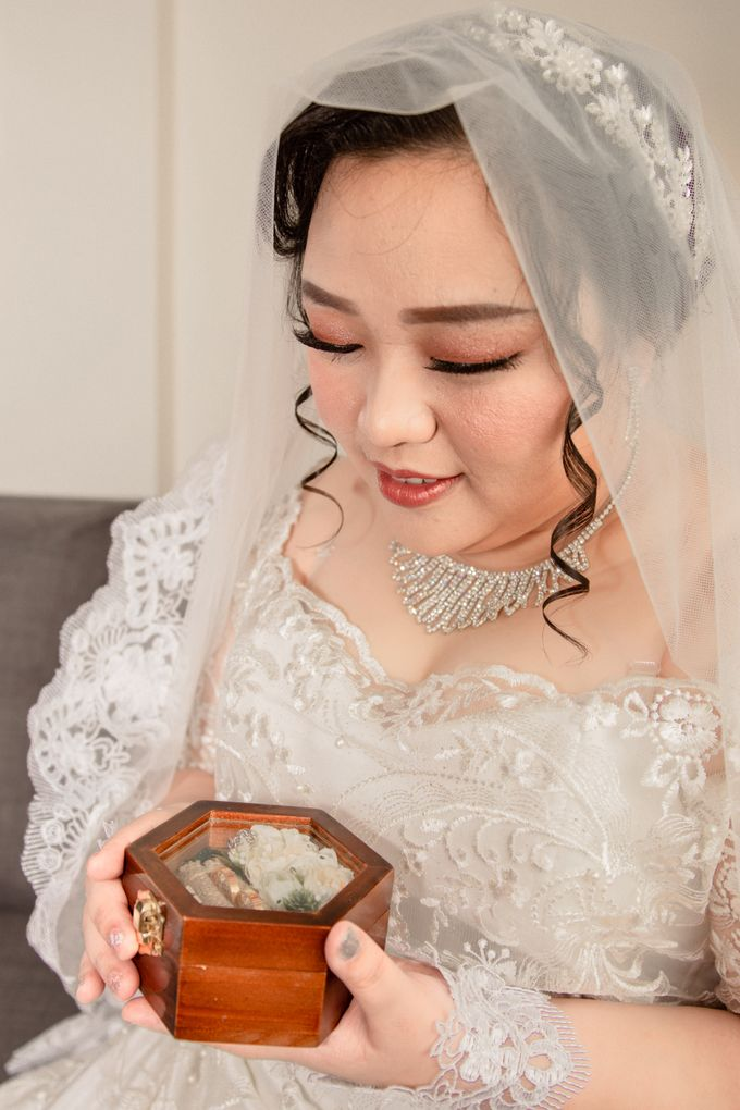 Wedding Day of Hartono & Yessica by House Of Lea Bridal - 019