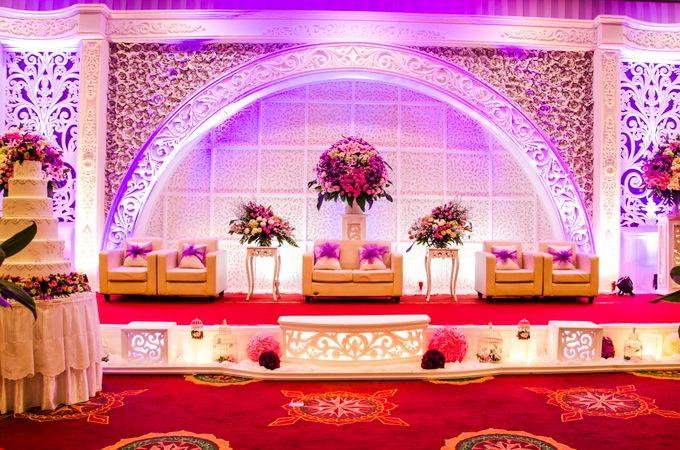 Wedding indoor by hotel padjajaran suite resort bnr bogor add to board wedding indoor by hotel padjajaran suite resort bnr bogor 001 junglespirit Gallery