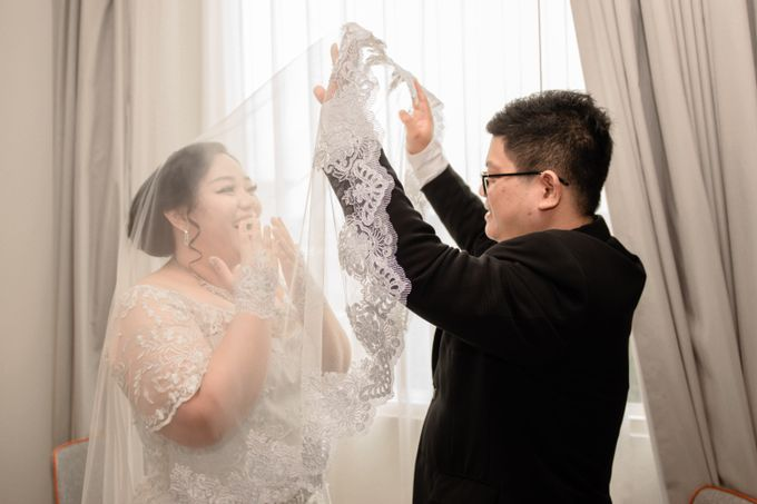 Wedding Day of Hartono & Yessica by House Of Lea Bridal - 027