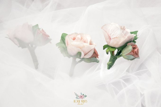 Corsages & Hand Corsages for Erdick Stephanie Wedding by Floral Treats - 004