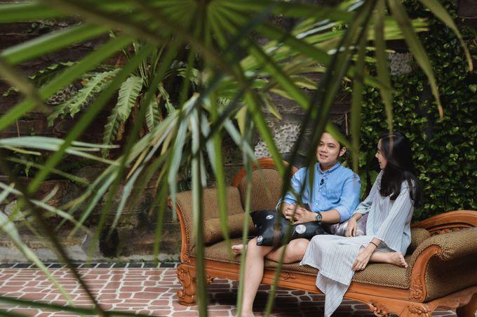 The Pre-Wedding of Anissa & Pradewo by EdgeLight Production - 015