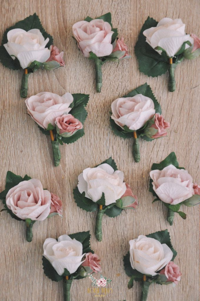 Corsages & Hand Corsages for Erdick Stephanie Wedding by Floral Treats - 015