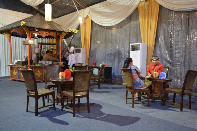 Wedding of Tia & Afif by Sonokembang Catering - 017