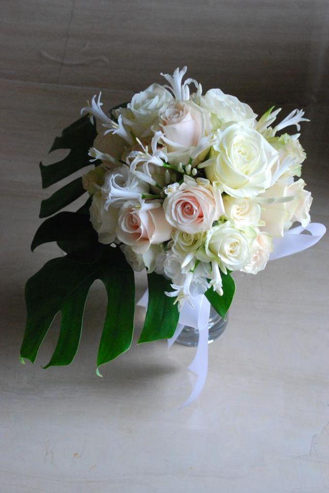 Wedding Bouquet by Hana Flower Boutique by Hana Flower Boutique - 005
