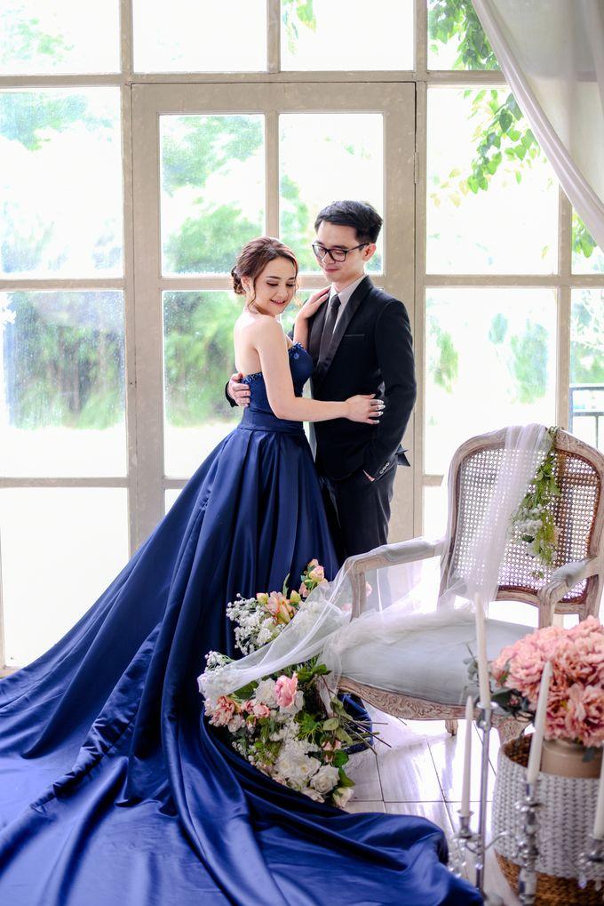 Studio Pre Wedding Devina & Denis by Bondan Photoworks - 007