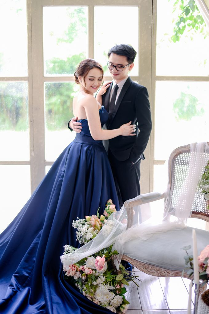 Studio Pre Wedding Devina & Denis by Bondan Photoworks - 015