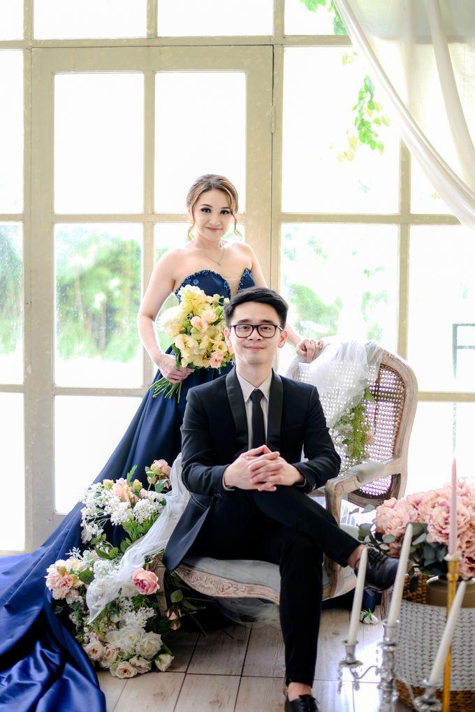 Studio Pre Wedding Devina & Denis by Bondan Photoworks - 021