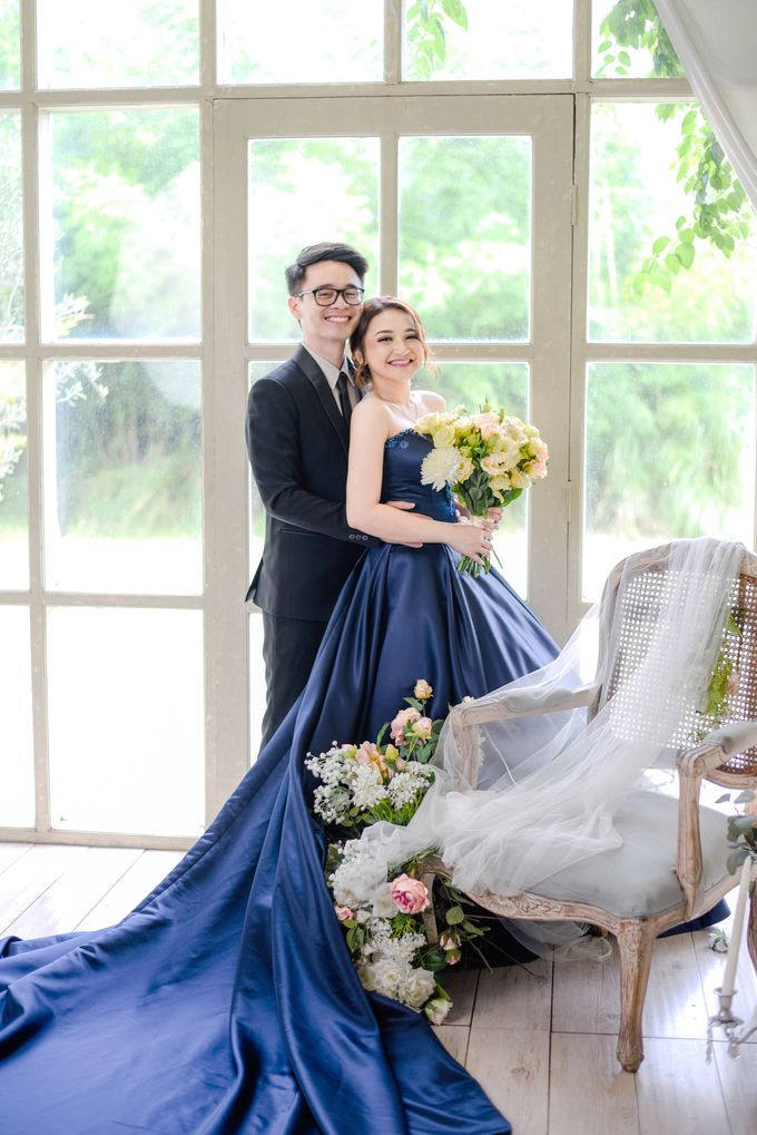 Studio Pre Wedding Devina & Denis by Bondan Photoworks - 023