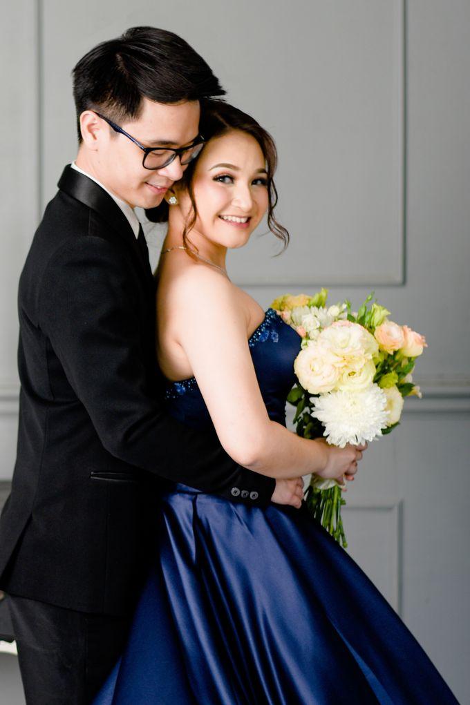 Studio Pre Wedding Devina & Denis by Bondan Photoworks - 025