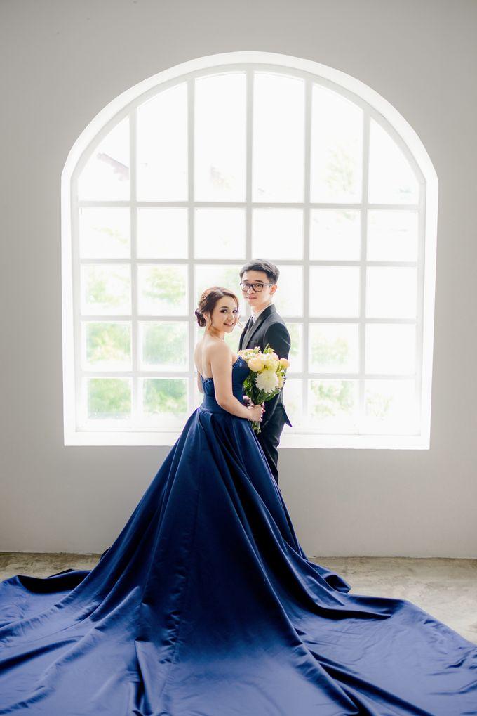 Studio Pre Wedding Devina & Denis by Bondan Photoworks - 027