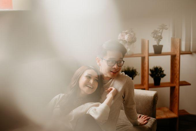 Studio Pre Wedding Devina & Denis by Bondan Photoworks - 020