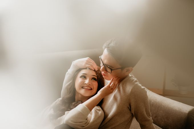 Studio Pre Wedding Devina & Denis by Bondan Photoworks - 001