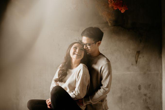 Studio Pre Wedding Devina & Denis by Bondan Photoworks - 003