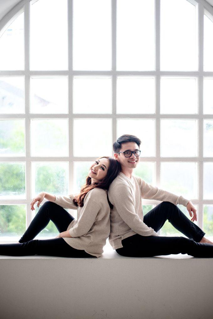Studio Pre Wedding Devina & Denis by Bondan Photoworks - 028