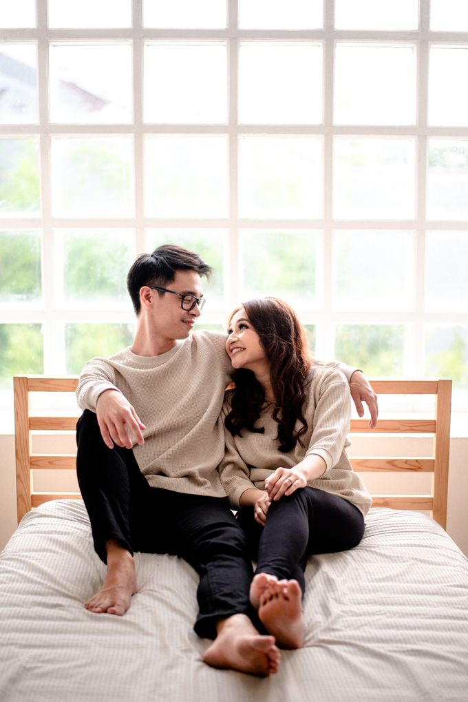 Studio Pre Wedding Devina & Denis by Bondan Photoworks - 011