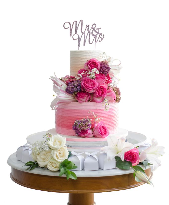 Wedding cakes and cupcakes by CUPCAKES COMPANY - 003