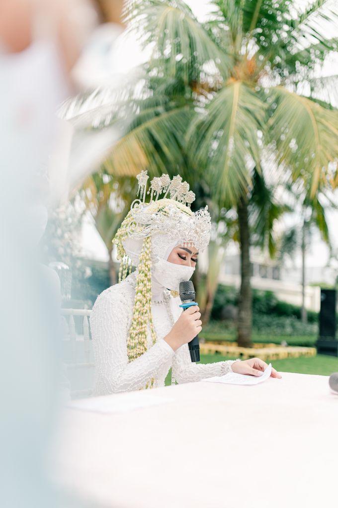 Wedding Devi & Rifki by Mecha Photo - 008
