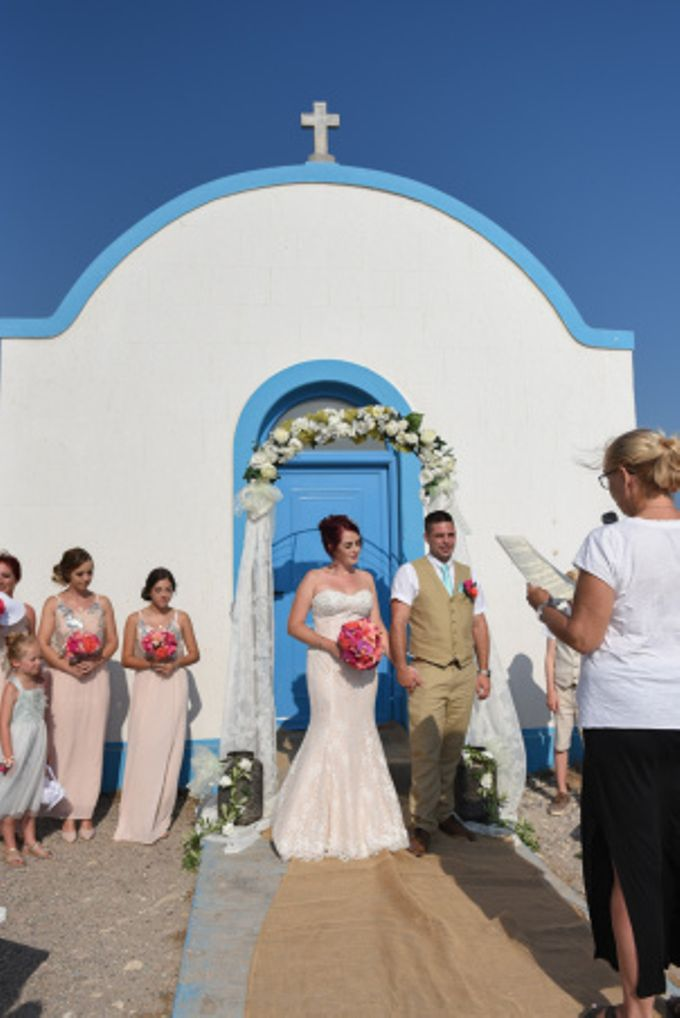 amazing wedding in Santorini by Christos Pap photography - 010