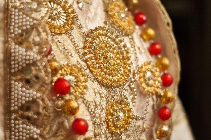 From The Traditional West Sumatra Wedding of Irsyad & Shella by Khayim Beshafa One Stop Wedding - 013