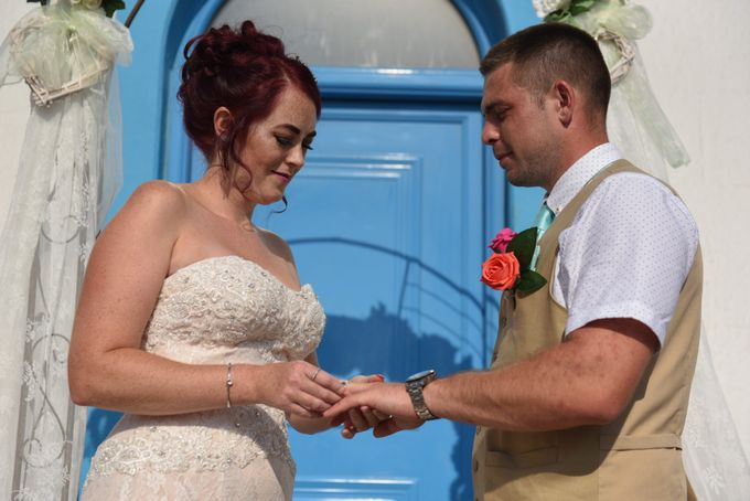 amazing wedding in Santorini by Christos Pap photography - 011