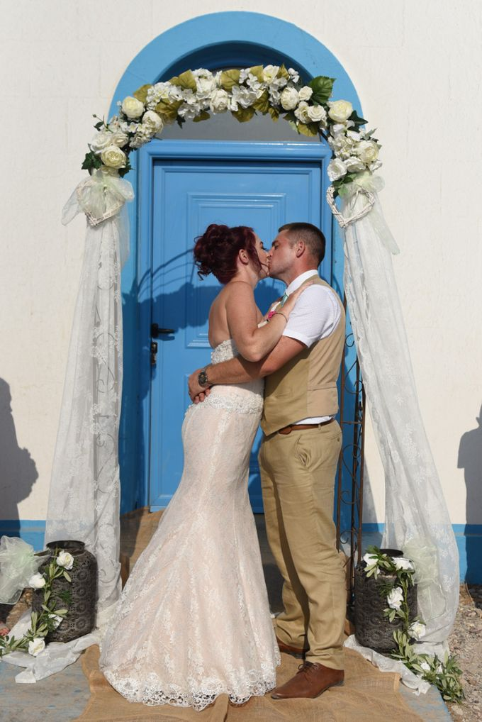 amazing wedding in Santorini by Christos Pap photography - 012