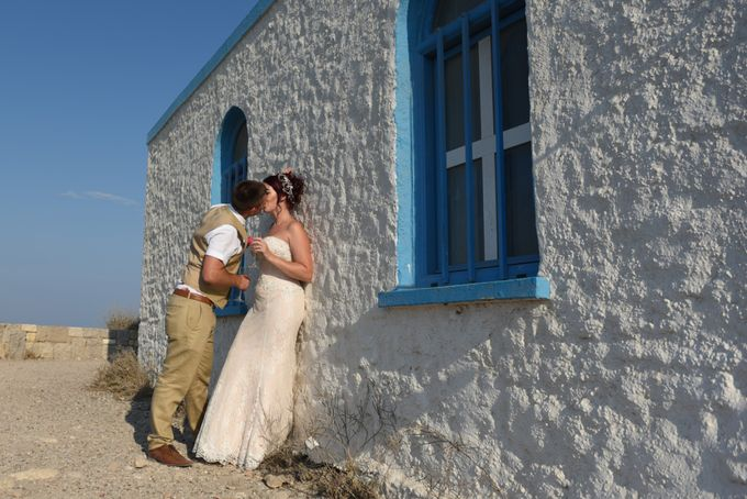 amazing wedding in Santorini by Christos Pap photography - 015