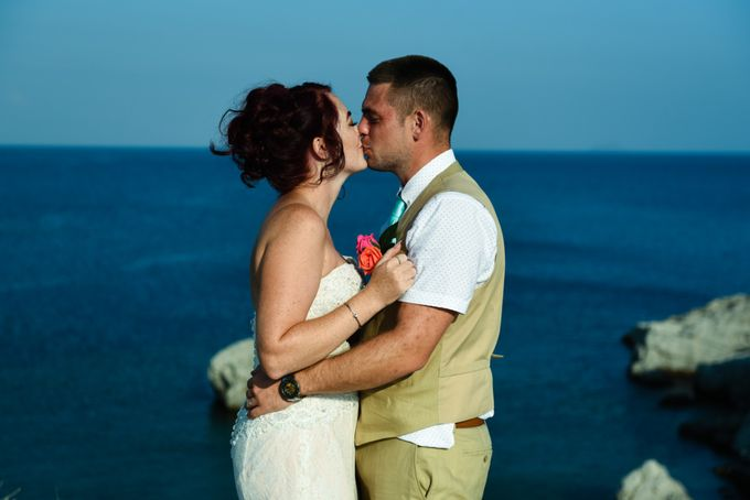 amazing wedding in Santorini by Christos Pap photography - 016