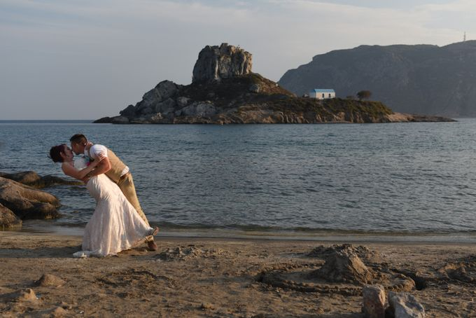 amazing wedding in Santorini by Christos Pap photography - 017