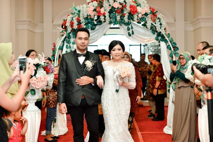 The Wedding Day Of Dhony & Marlena by Favor Brides - 019