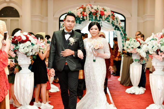 The Wedding Day Of Dhony & Marlena by Favor Brides - 028