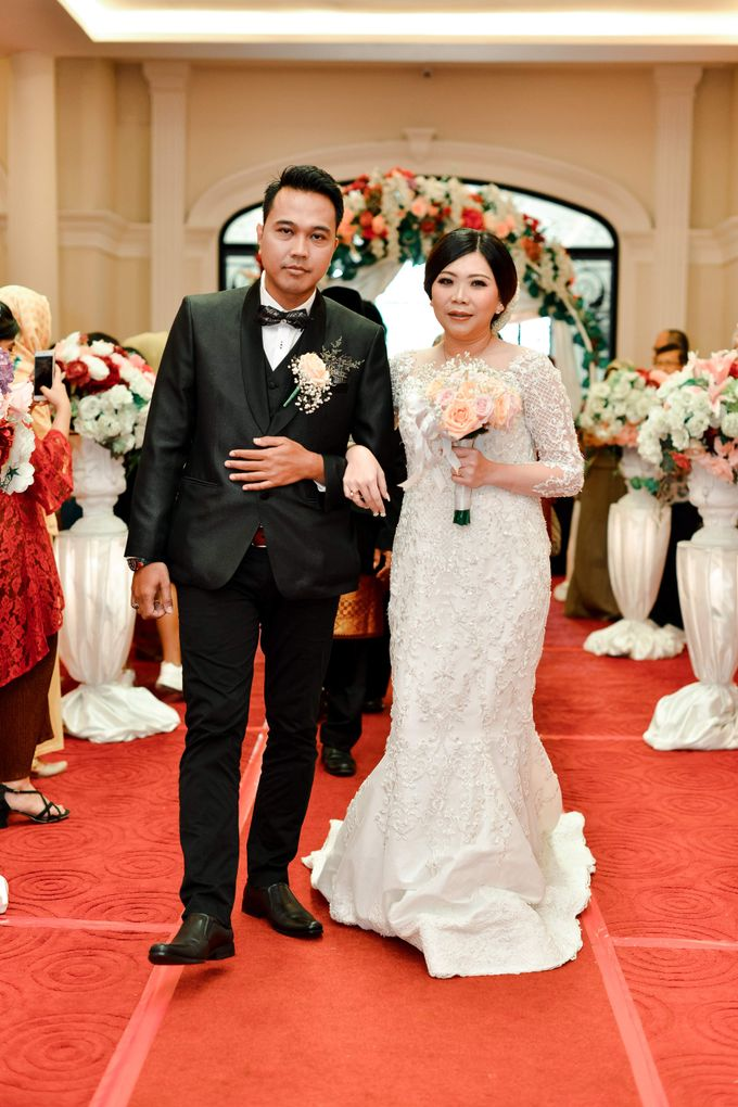 The Wedding Day Of Dhony & Marlena by Favor Brides - 024