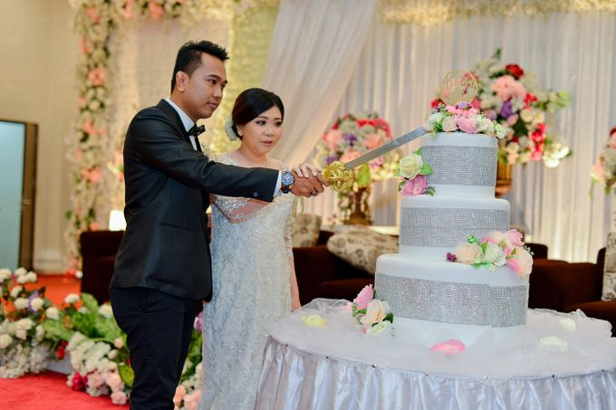 The Wedding Day Of Dhony & Marlena by Favor Brides - 017